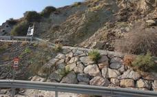 Fomento asume con carácter de urgencia la retirada de los desprendimientos en El Lance