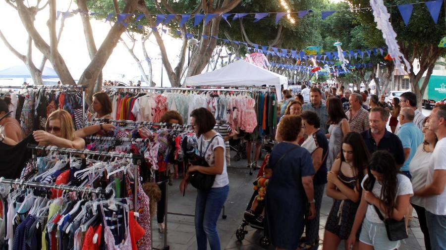 Inaugurado el Mercado Marinero en los jardines del puerto de Adra