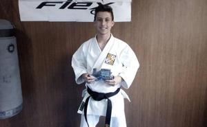 El karateca Álvaro Vargas consolida su carrera deportiva