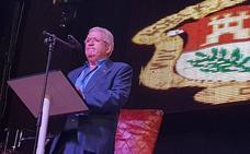 Homenaje a más de 40 años de docencia en el pregón de la feria de Berja
