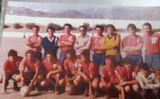 El Miramar de Adra se viste de largo para evocar un equipo de fútbol que es leyenda