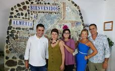 Entreamigos recupera un antiguo mosaico de acceso a Almería para decorar su caseta de feria