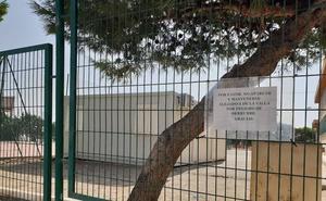 Educación instala un aula prefabricada en el colegio de La Curva para 13 alumnos de Adra