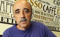 Miguel Milán, al frente de un estand cultural en Expoberja