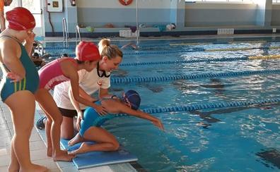 Adra crea la primera escuela de natación artística de Almería