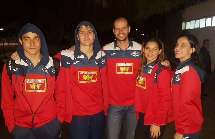 El club de natación Ciudad de Adra sigue mejorando sus tiempos