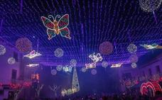 Fondón ilumina la Alpujarra con 400.000 bombillas de Navidad