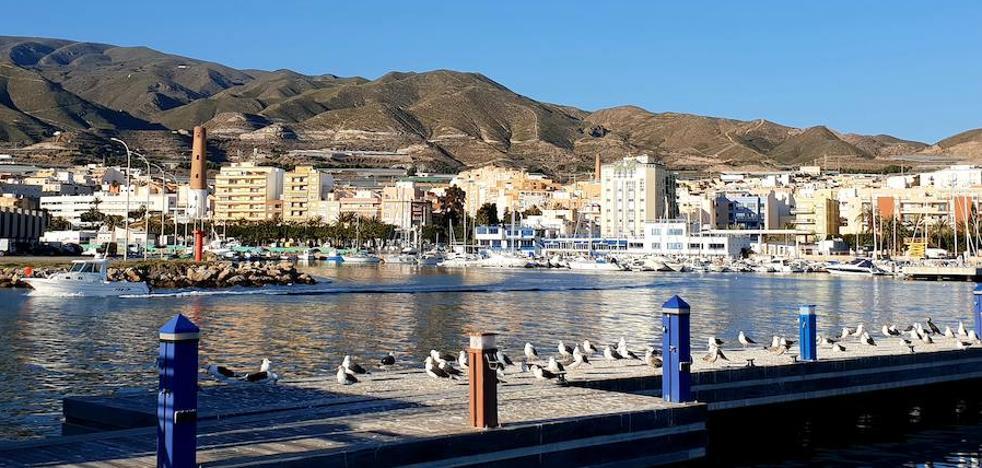 Adra suma 162 vecinos en 2018 y roza los 25.000 habitantes