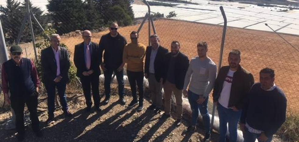 El Gobierno da 400.000 euros a los agricultores de Dalías para modernizar sus redes de riego