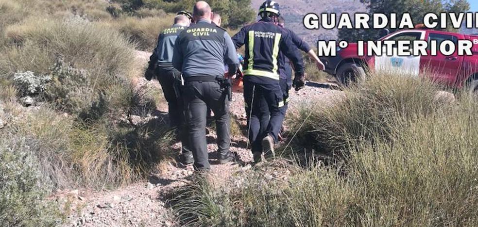 Rescatan a un parapentista herido en la sierra de Castala