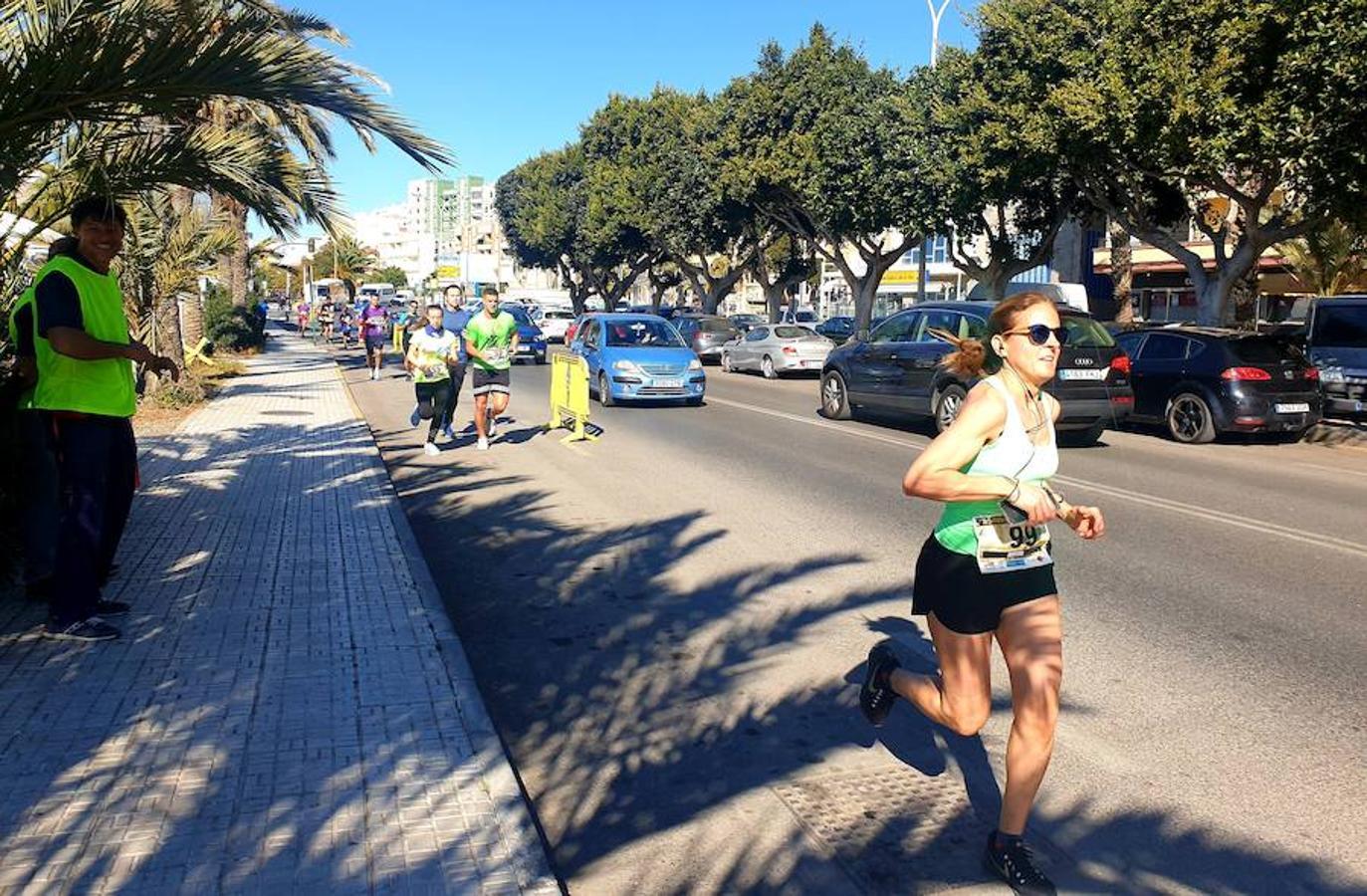 Más de 350 corredores se dan cita en la carrera Ciudad de Adra