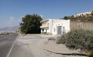 Peña: «Trae más cuenta vivir en Balanegra que en Adra»