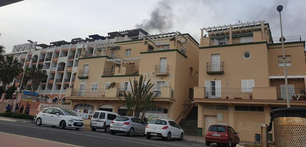 Fuego en el hotel Mirador de Adra
