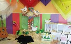 La escuela infantil Había Una Vez presenta su primera cruz de mayo