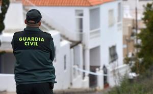 Libertad con medidas por maltrato machista para el detenido en Berja ante el edificio incendiado