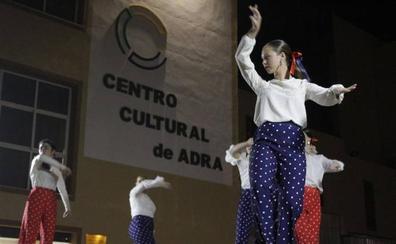 La noche se viste de blanco este viernes en Adra