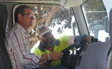 El Ayuntamiento adquiere un camión para limpiar calles y plazas «en profundidad»