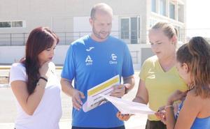 La Piscina Municipal 'reta' a los vecinos a participar en dos carreras singulares