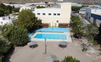 Abiertas al público las piscinas municipales en Berja