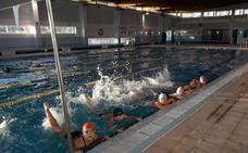 Primera exhibición de natación artística en Adra