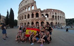 Adra Baila, plata en Roma