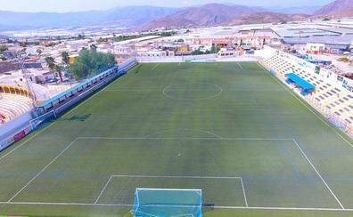 Salva Sevilla bautiza oficialmente el Campo de Fútbol de Berja