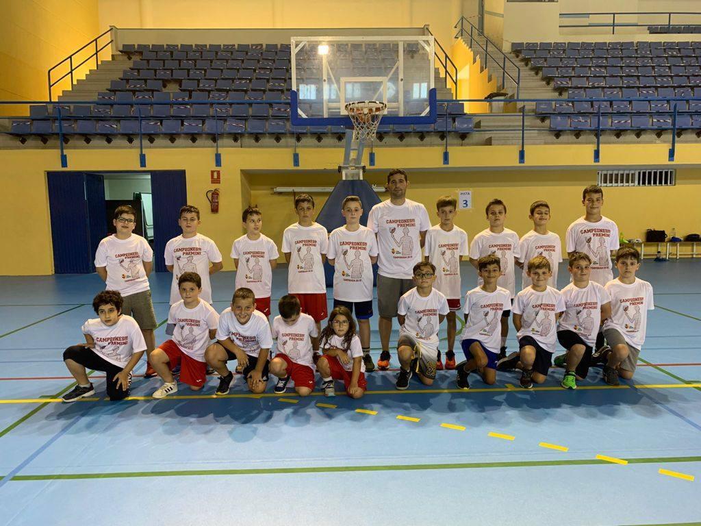 El CD Baloncesto Adra, primero en la liga de Valorcesto