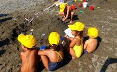 Comienza la Feria de Adra con el concurso de castillos de arena