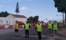 Tráfico instala conos para proteger al peregrino entre Dalías y Pampanico
