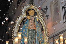 Miles de alcalaínos acompañan a la Virgen de las Mercedes Coronada