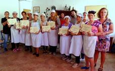 Un taller de cocina enseña habilidades a 15 familias