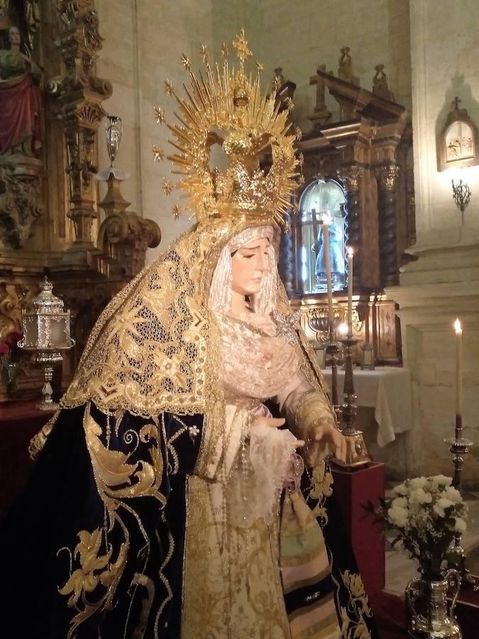 Besamanos en honor a Nuestra Señora del Rosario