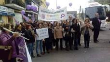 La Federación de Mujeres 'Creciendo Unidas' se manifiesta en Sevilla