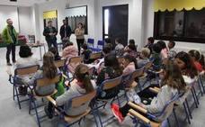 Los escolares de La Rábita reciben formación sobre el reciclaje