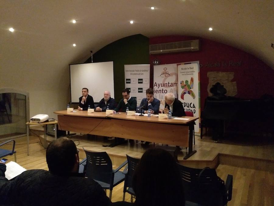 Andrés Medina: «Los ayuntamientos son laboratorios democráticos»