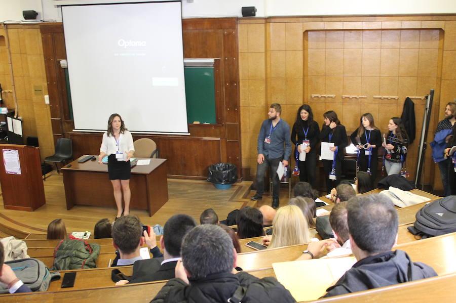 Actitud crítica y debates de competición: lo que promueve Paloma Moyano