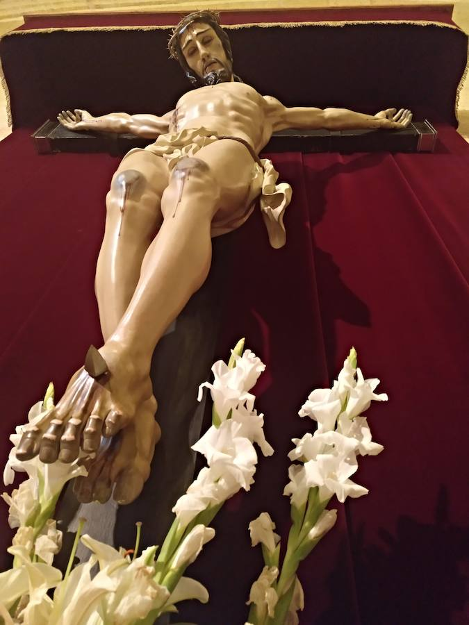 La imagen del Cristo de la Salud vuelve a la iglesia de San Juan