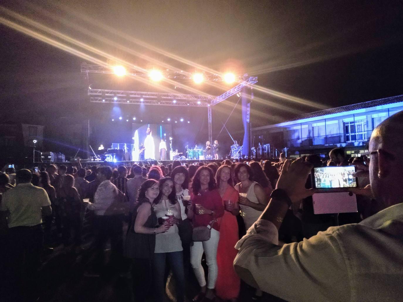El son de Niña Pastori que volvió a cautivar en Alcalá