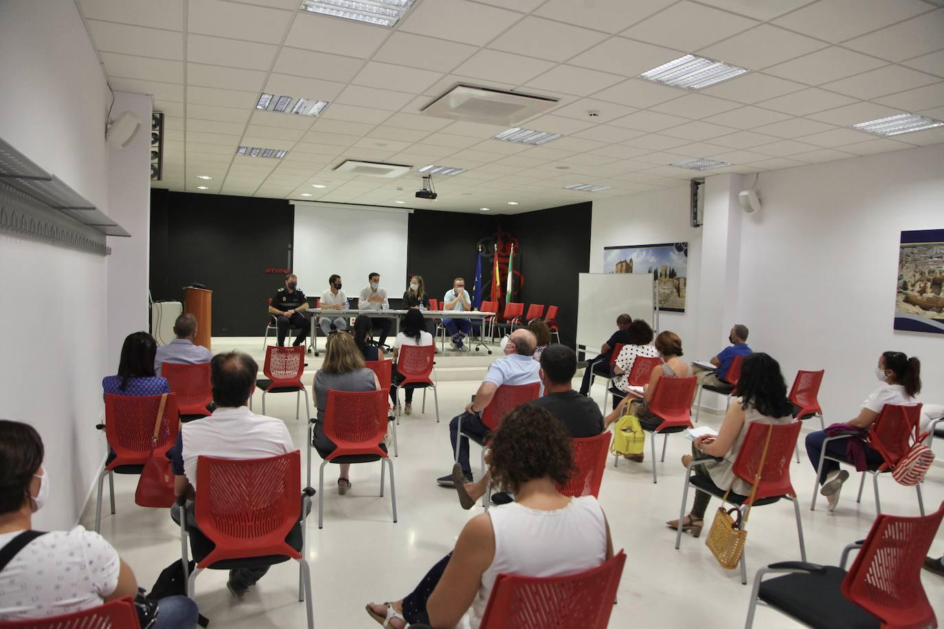 Una nueva reunión a las puertas de un inicio de curso que plantea dudas