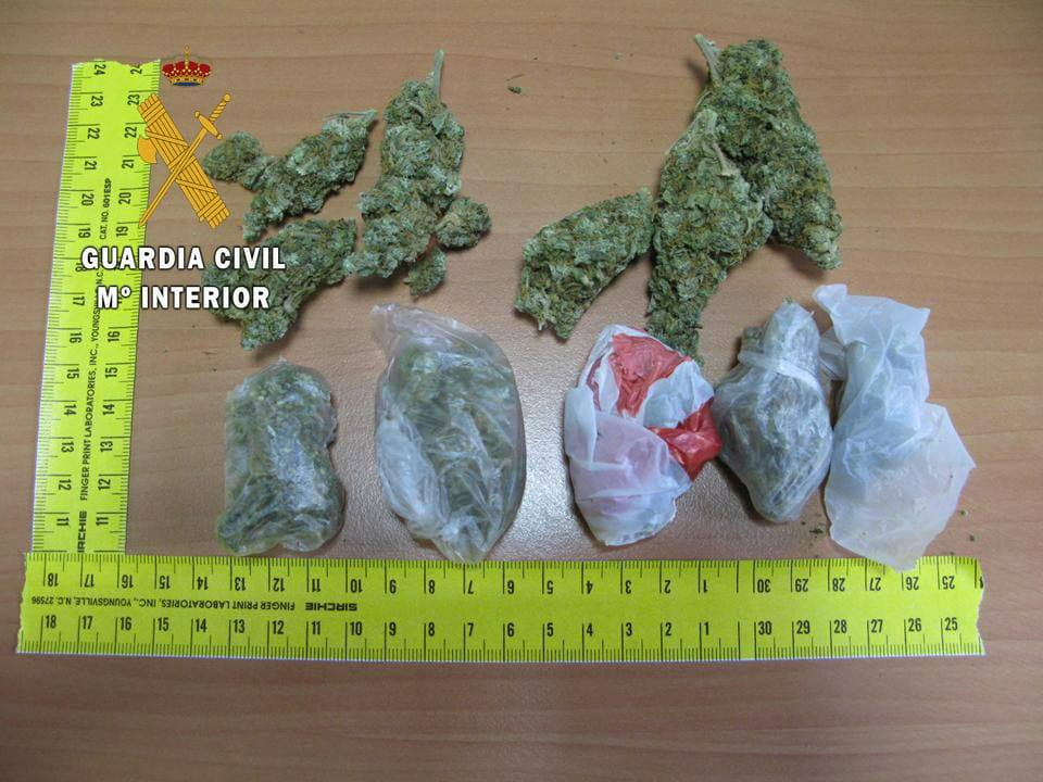Detenido por portar marihuana bajo la ropa en el Paseo de los Álamos