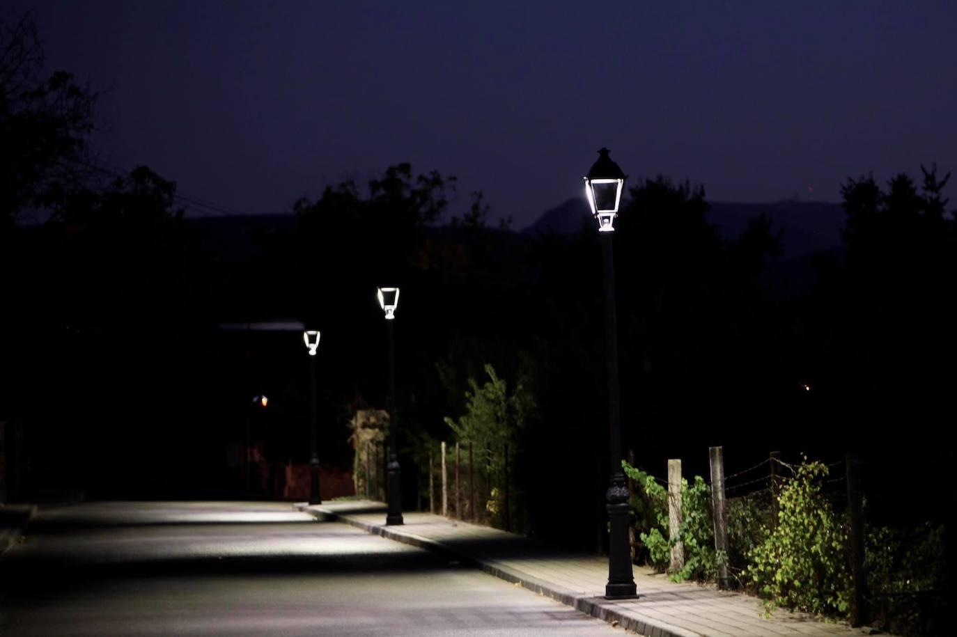 Renovación de más del 50% de la iluminación de la urbanización Fuente del Rey