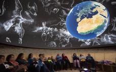 Serón inaugura el primer planetario provincial con los 'Amigos de Calar Alto'