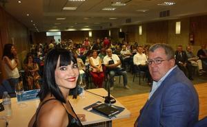Irene Villa contagia su espíritu de superación a los alumnos y ponentes de los cursos de verano en Purchena