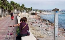 Delimitan las playas nudista y textil de Cuevas de Almanzora con un cartel tras unas «quejas»