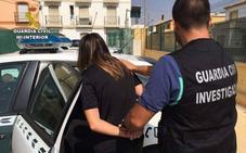 Detenida por sacar 250 euros con una tarjeta que robó de un coche