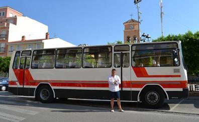 Se queda con el autobús que le llevaba al colegio en Albox