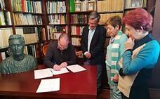 La Fundación Ibáñez Cosentino y el Ayuntamiento de Albox firman la creación de la nueva biblioteca 'Canónigo Bartolomé Marín'
