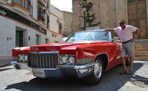 Un Cadillac hecho en Texas que se luce por las calles de Arboleas