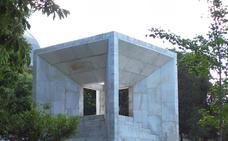 El Mármol de Macael, símbolo de la democracia en el Monumento a la Constitución de 1978 de Madrid