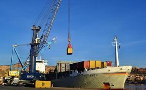 Grupo Cosentino trae a la segunda mayor naviera del mundo al Puerto de Almería